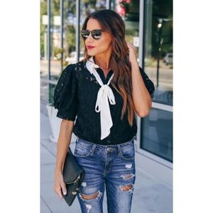 Tops - ▪️Glimpse of Glam Statement Blouse